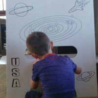 FunDeco Rocketship, little boy drawing